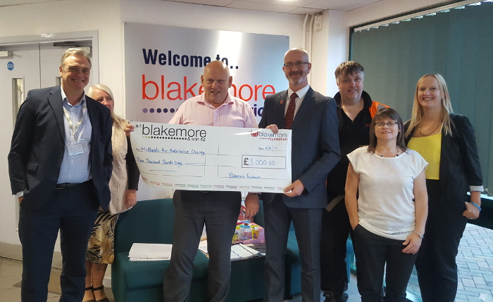 Blakemore_Foodservice_Air_Ambulance_cheque_handover