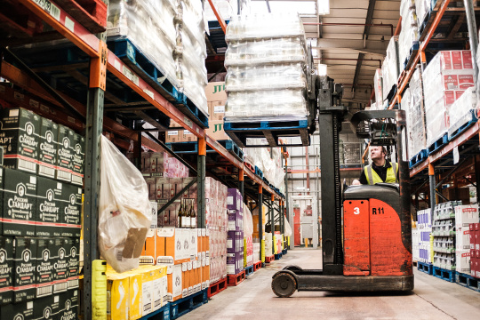 Forklift_truck_driving