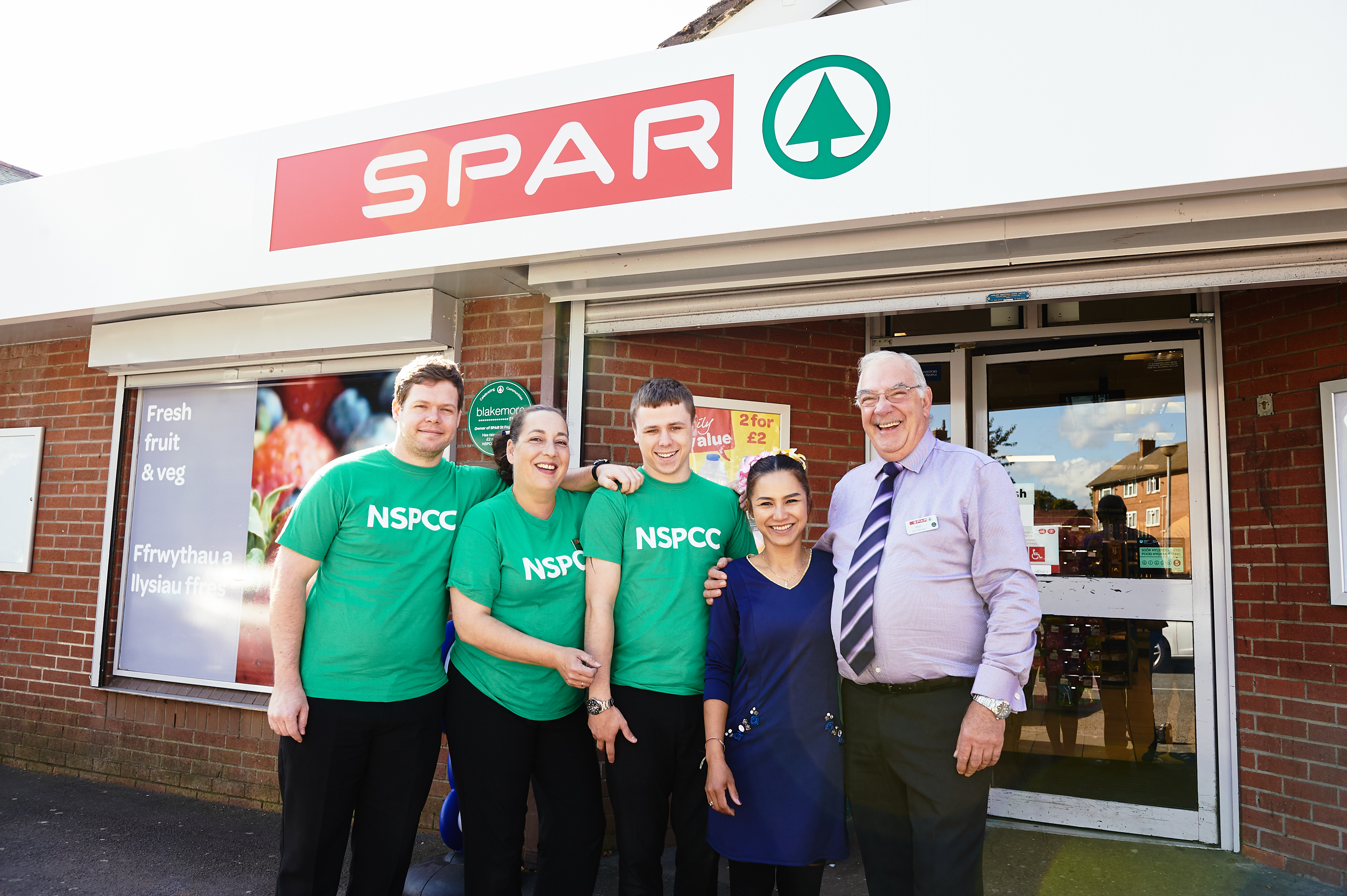 Employees_from_Blakemore_Retail_SPAR_St_Fagans
