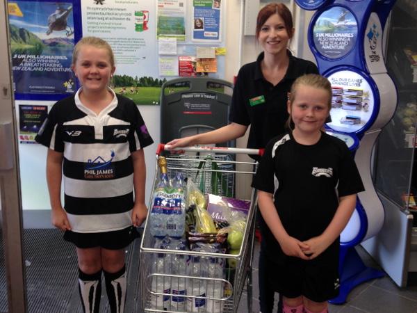 SPAR_Beddau_donates_to_Bridgers_Girls_Rugby_Club