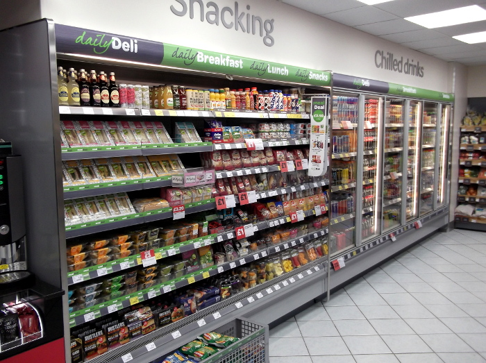 Snacking_chilled_drinks_at_SPAR_Bakewell
